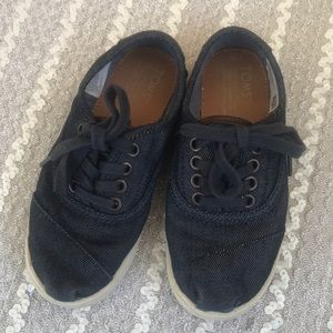 Toms 12y denim leather lace up sneakers shoes